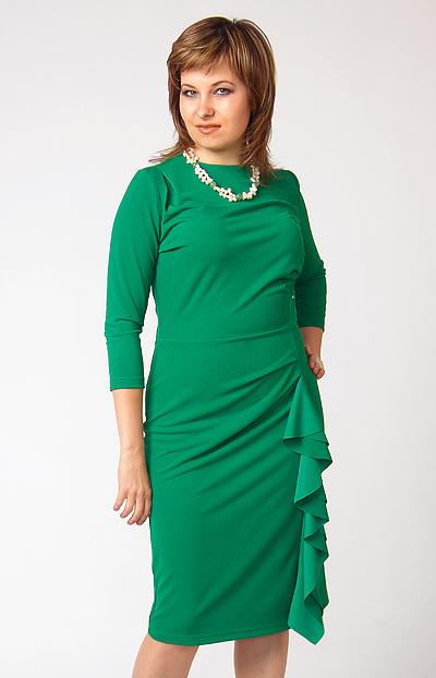 Платье для полных изумрудного цвета